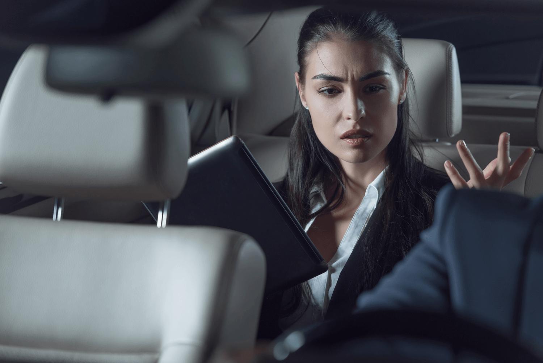Serviço ruim dos aplicativos de transporte com placa cinza, faz a demanda por táxi crescer nas grandes capitais, diz pesquisa.